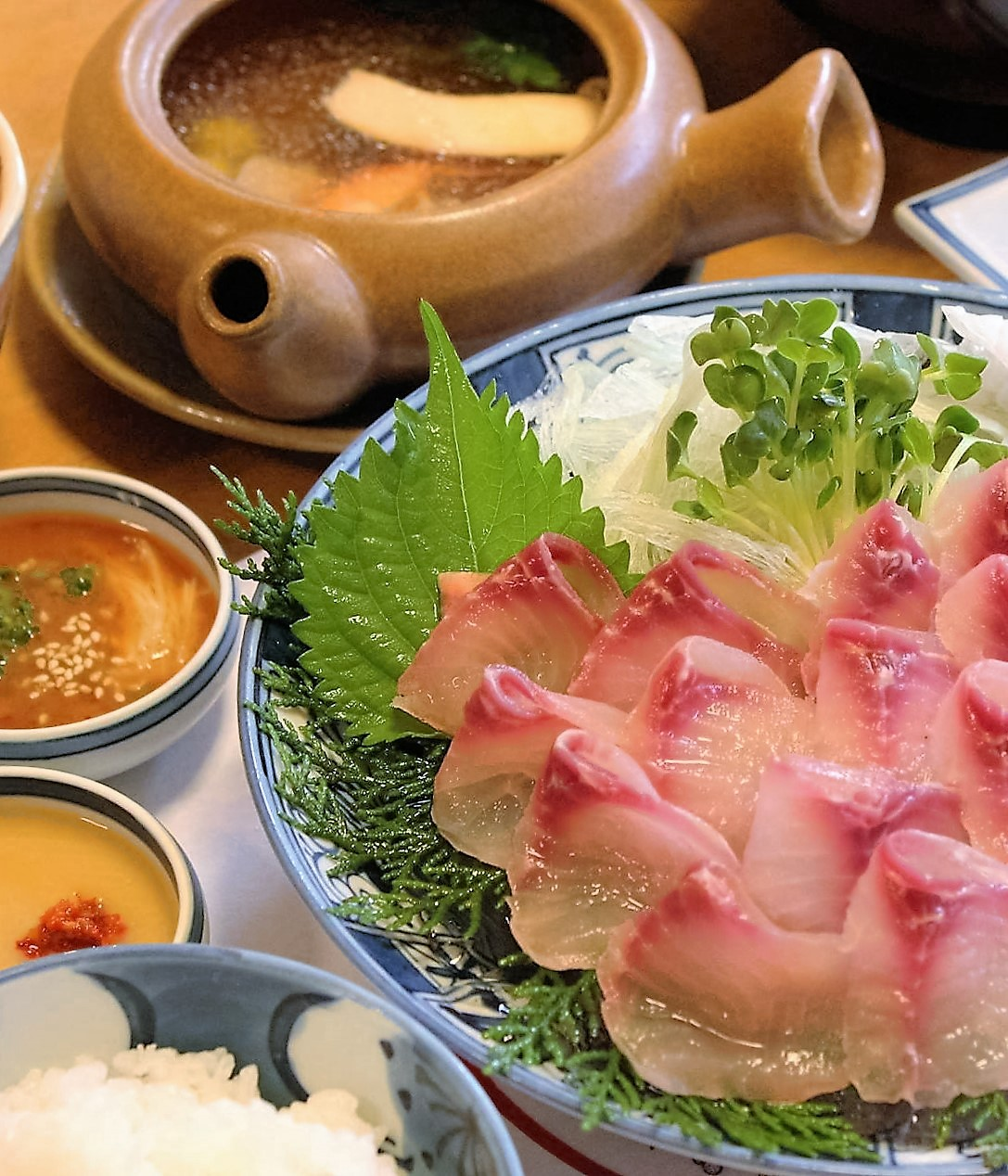 龍水亭 松茸の土瓶蒸し膳